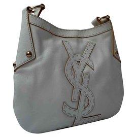 Yves Saint Laurent-Un ravissant sac porté epaule, frais et elegant-Blanc cassé