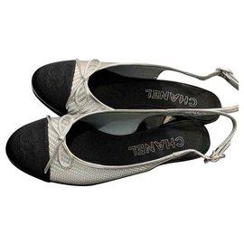 Chanel-Chanel Silver and black slingbacks pumps EU38-Black,Silvery