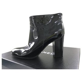 Chanel-CHANEL patent leather boots-Black