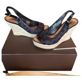 31709b0c54 Second hand Louis Vuitton luxury shoes - Joli Closet