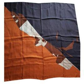 Louis Vuitton-Louis Vuitton signé 'Architecture' marron, foulard en soie orange et beige-Beige,Bronze,Marron clair,Marron foncé