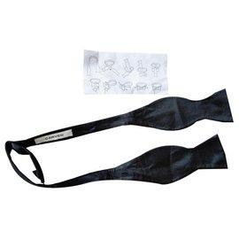 Carven-Cravates-Noir