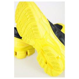 Adidas-ADIDAS par RAF SIMONS SNEAKERS NOUVEL OZWEEGO-Noir,Jaune
