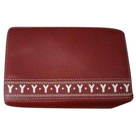 Yves Saint Laurent-Bourses, portefeuilles, cas-Rouge