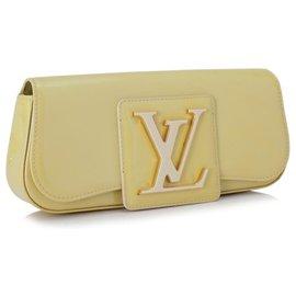 Louis Vuitton-Pochette Sobe en cuir verni marron Louis Vuitton-Marron,Beige