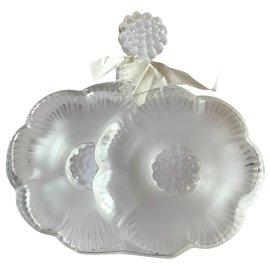 Lalique-Perfume bottle Two flours-White