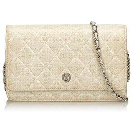 Chanel-Chanel White Quilted Coated Canvas Geldbörse an der Kette-Weiß,Roh