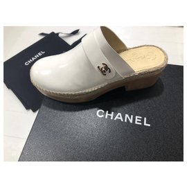 Chanel-Mules-Blanc