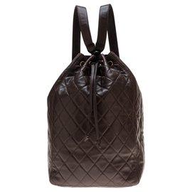 Chanel-Superbe Sac à dos Chanel en cuir matelassé marron en très bon état général !-Marron