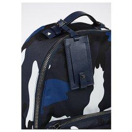 Valentino-Cartable-Bleu