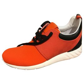 Louis Vuitton-Sneakers-Red