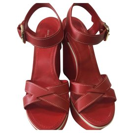 Louis Vuitton-Sandales compensées-Rouge