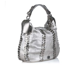 Burberry-Burberry Silver Embellished Leather Hobo Bag-Silvery