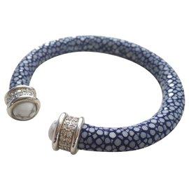 Autre Marque-Bracelet en galuchat bleu-Bleu clair