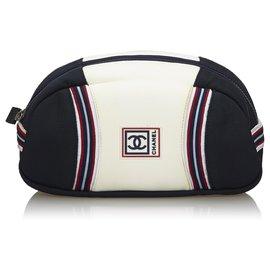 Chanel-Chanel White CC Nylon Sports Line Pochette-Blanc,Multicolore
