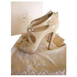 f8a715117d Chaussures luxe Prada occasion - Joli Closet