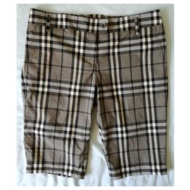 Burberry-BURBERRY London New Lady's Black and White Checked Shorts, Size UK 8-Other