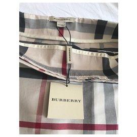 Burberry-Jupes-Beige