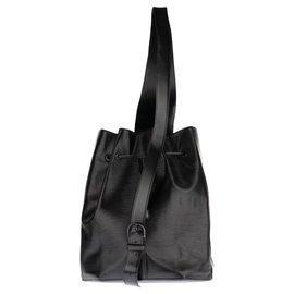 Louis Vuitton-Sac à dos Louis Vuitton en cuir épi noir en bon état général !-Noir