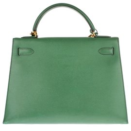 Hermès-Delightful Hermès Kelly saddler 32 cm leather courchevel green grass , gold jewelery and in very good condition!-Green