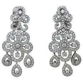 """Van Cleef & Arpels-Boucles d'oreilles Van Cleef & Arpels, """"Dentelle"""" en or blanc et diamants.-Autre"""