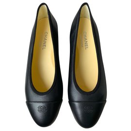 Chanel-Chanel leather ballerinas-Black,Cream