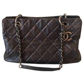 Chanel-Shopping-Dark grey