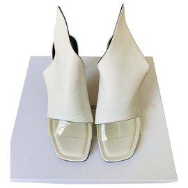 Balenciaga-Glisser dans les talons-Blanc