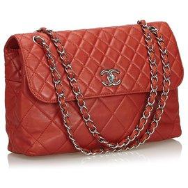 Chanel-Sac à rabat en cuir d'agneau matelassé rouge Maxi Chanel-Rouge