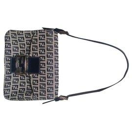 d3af512d3 Second hand Fendi Handbags - Joli Closet
