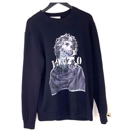 Givenchy-Jesus-Black
