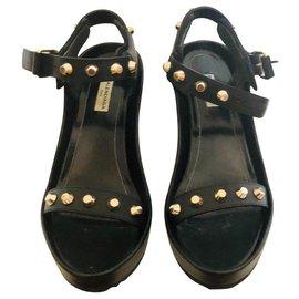 Balenciaga-Balenciaga sandals-Black