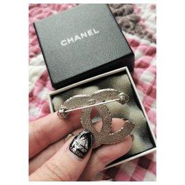 Chanel-Chanel Kristall CC Brosche-Metallisch