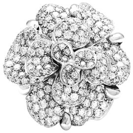 "Chanel-Chanel ring model ""Camelia"" in white gold and diamonds.-Other"