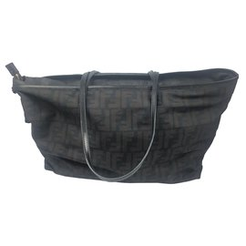 Fendi-Fendi Brown Zucca Canvas Shoulder Bag-Brown,Black