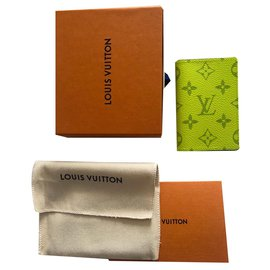 Louis Vuitton-Louis Vuitton Portefeuille Taigarama Nouveau-Jaune