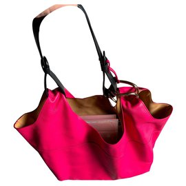 Delvaux-Delvaux givry with me raspberry color MM-Fuschia