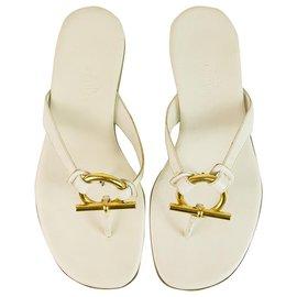 Hermès-Hermes Sandales en cuir blanc tongs chaussures d'été plates Flip Flop Boucle dorée 36-Blanc