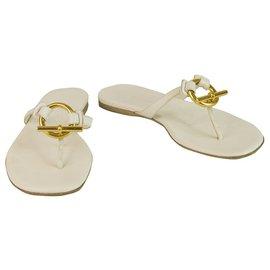 Hermès-Hermes White Ledersandalen Thongs Wohnungen Sommerschuhe Flip Flop Gold Schnalle 36-Weiß