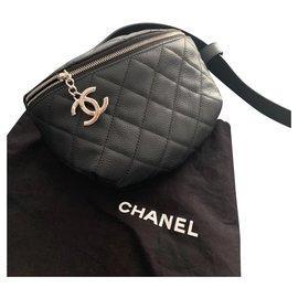 Chanel-Pockets-Black
