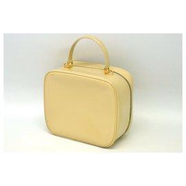 Gucci-Gucci Bamboo Shoulder Bag-Cream