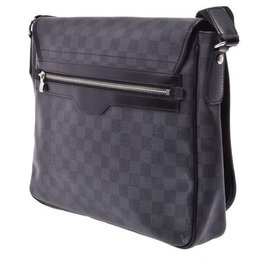 Louis Vuitton-Louis Vuitton handbag-Black