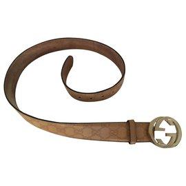 Gucci-Interlocking bockle-Beige