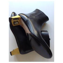 Gucci-Arielle Crystal Heel Boots-Black