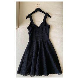 Chanel-Chanel Petite Robe Noire A-Line Taille 34-Noir