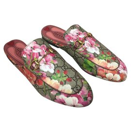 5580f72f2f182 Gucci-GUCCI Mules Princetown GG Blooms in coated fabric-Multiple colors ...