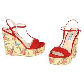 97dd2d2c2b21 Prada Joli Chaussures Luxe Occasion Closet CrExBeWoQd