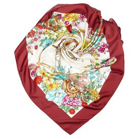Gucci-Gucci White Floral Printed Silk Scarf-White,Multiple colors