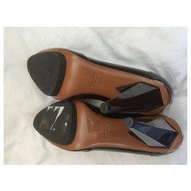 Lanvin-Escarpins en cuir verni-Noir