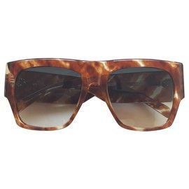 Céline-Sunglasses-Caramel